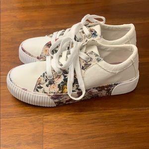 Women's blowfish floral shoes size 6.5